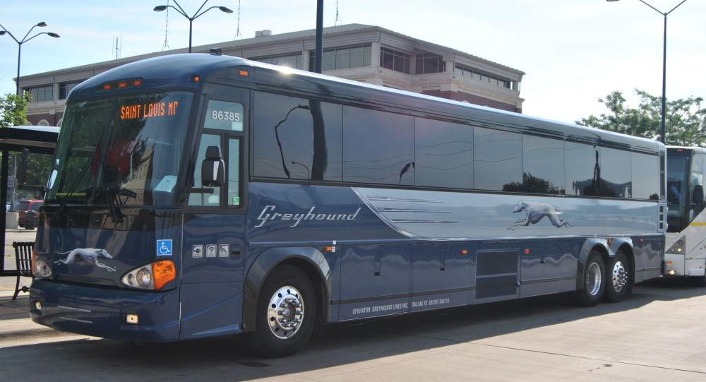 Plusieurs passagers blessés dans une fusillade dans un bus en Californie - images