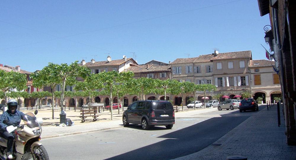 Un maire LREM interdit aux candidats aux municipales de sa ville de tracter au marché