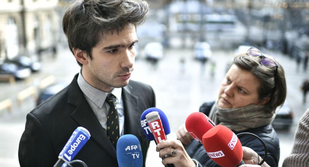L'enquête policière sur Pavlenski éveille de nouveaux soupçons sur ses liens avec Juan Branco