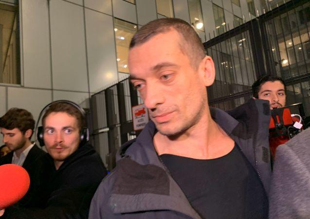 Piotr Pavlenski à Paris