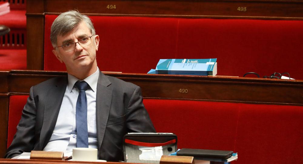 Le co-rapporteur LREM de la réforme des retraites serait bien actionnaire d'un assureur qui en profiterait