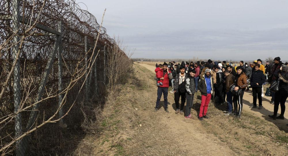 Macron: la France est prête à aider les pays d'Europe à «protéger les frontières» pour éviter «une crise migratoire»