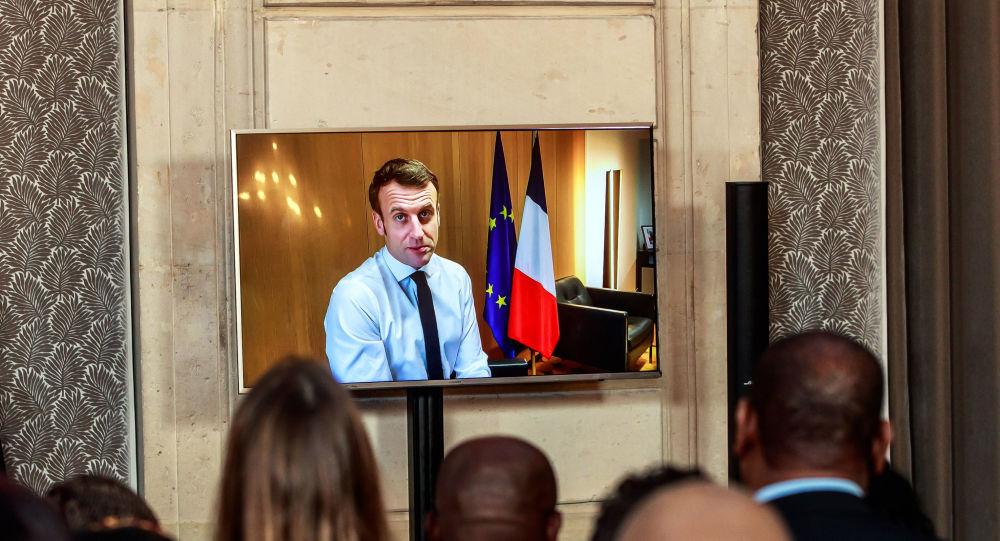 Coronavirus: Emmanuel Macron annonce des nouvelles mesures «exigeantes» - vidéo