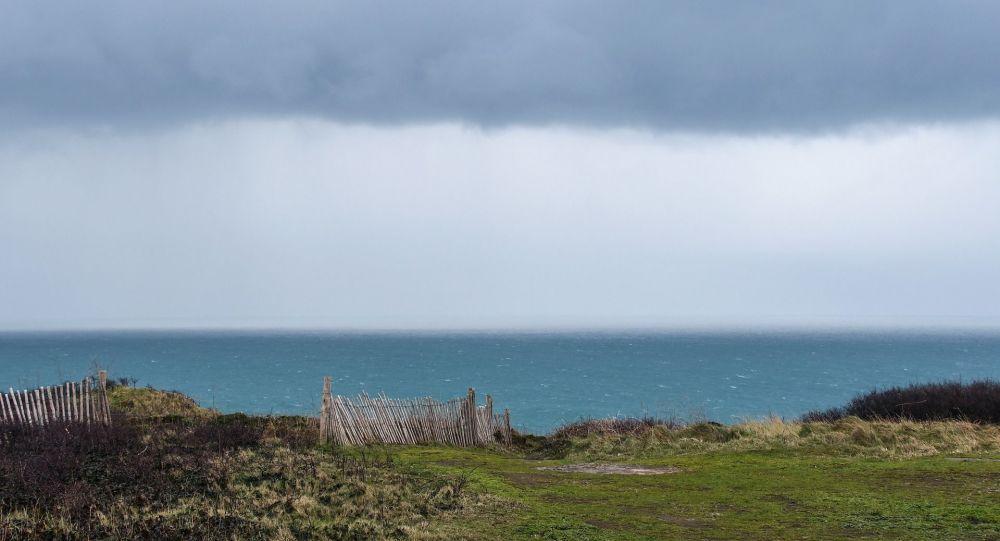 Un maire breton s'indigne de la fermeture des plages la qualifiant de «privation de liberté illogique et déconnectée»
