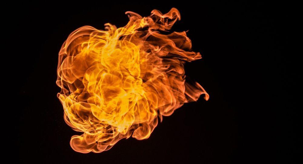 Un important incendie se déclare dans un immeuble au Havre - images