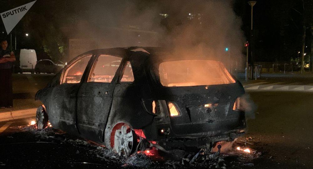 Nouvelle nuit de tensions à Argenteuil: la colère toujours présente après la mort d'un jeune à moto