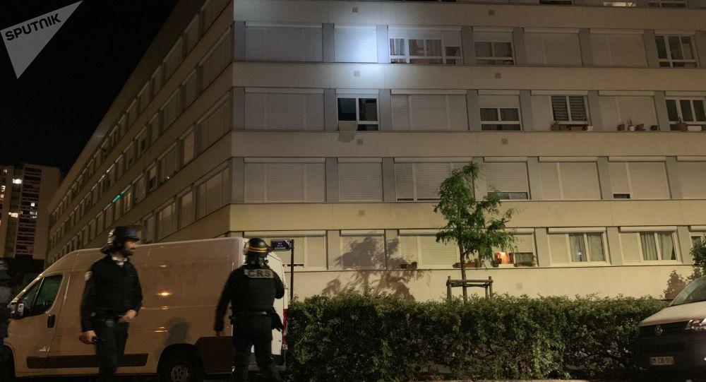 Mortiers d'artifice, police mobilisée: la situation à Argenteuil la nuit suivant la marche banche pour Sabri - vidéos