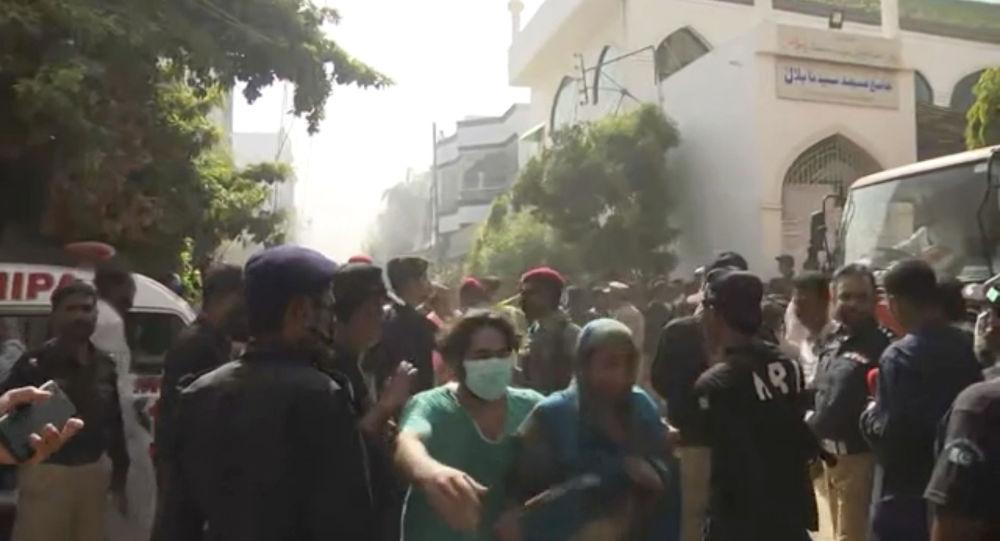 La vidéo du sauvetage d'un miraculé du crash de l'Airbus A320 au Pakistan