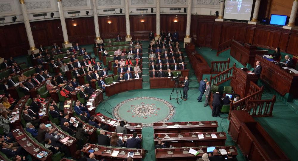 En Tunisie, la crise politique enfle et des appels à une «troisième République» émergent