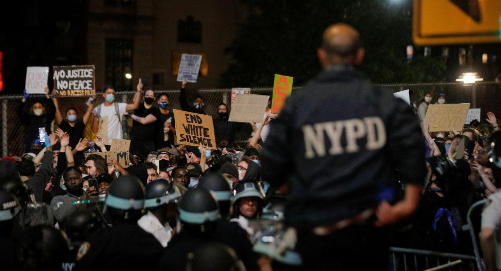 Mobilisations à New York contre les violences policières après le meurtre de George Floyd