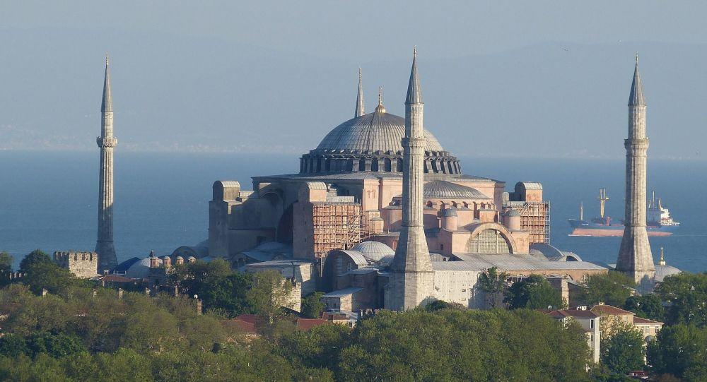 Quelque 500 policiers turcs seront de service à Sainte-Sophie, redevenue mosquée