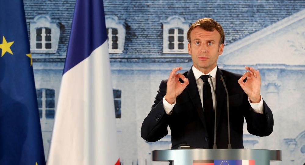 Macron a déjà contredit Castex sur le remaniement, moins de 48 heures après sa nomination
