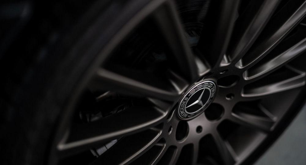 Mercedes rappelle presque 669.000 véhicules en Chine