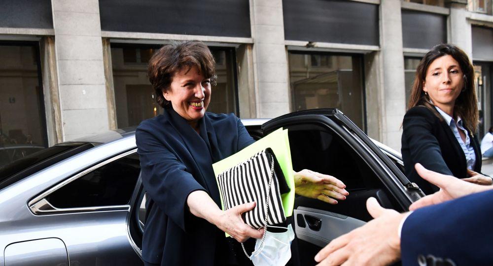 Roselyne Bachelot fait une déclaration sur son salaire qui passe mal