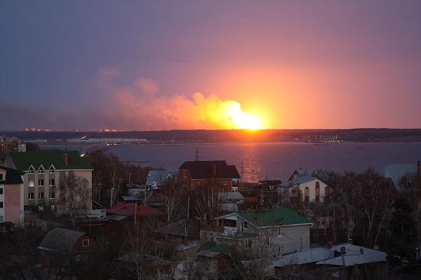 Incendie dans un dépôt de munitions d'Oulianovsk: trois personnes grièvement blessées (médecin)