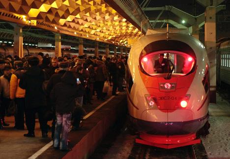 Высокоскоростной поезд Сапсан прибыл в Санкт-Петерубрг
