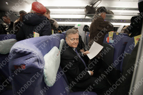 Президент ОАО РЖД Владимир Якунин - пассажир первого рейса высокоскоростного поезда Сапсан