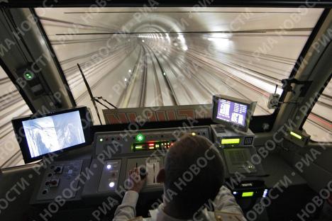 Состоялся пуск поезда метро по перегону Строгино - Митино