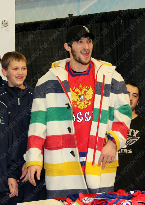 Александр Овечкин в Олимпийском магазине в Ванкувере