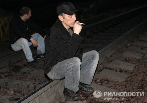 Жители Междуреченска перекрыли железную дорогу