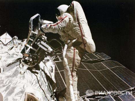 Летчик-космонавт Светлана Савицкая
