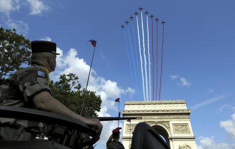 Парад в честь Дня взятия Бастилии в Париже