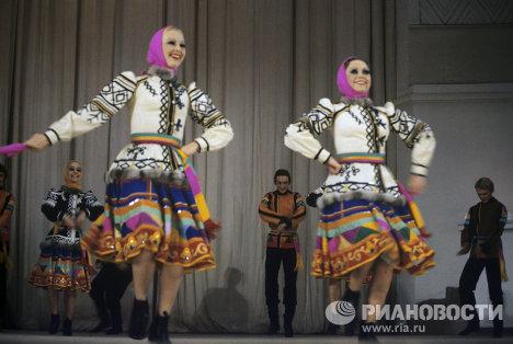 Государственный академический Ордена Дружбы народов ансамбль народного танца под руководством Игоря Моисеева
