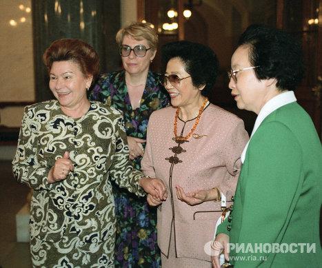 Официальный визит Премьер Госсовета КНР Ли Пэна в Россию