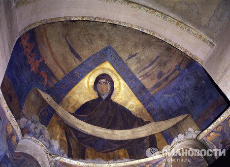 Настенная роспись в храме Марфо-Мариинской обители милосердия