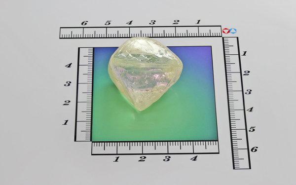 Алмаз массой 145,44 карата, добытый в январе 2013 года на Айхальском ГОКе