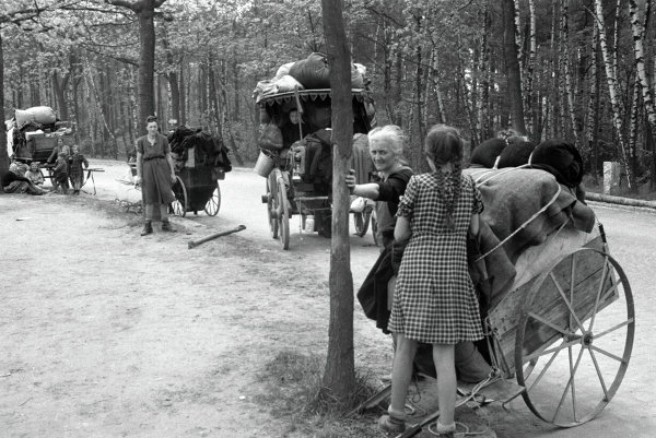 На дорогах Германии в мае 1945