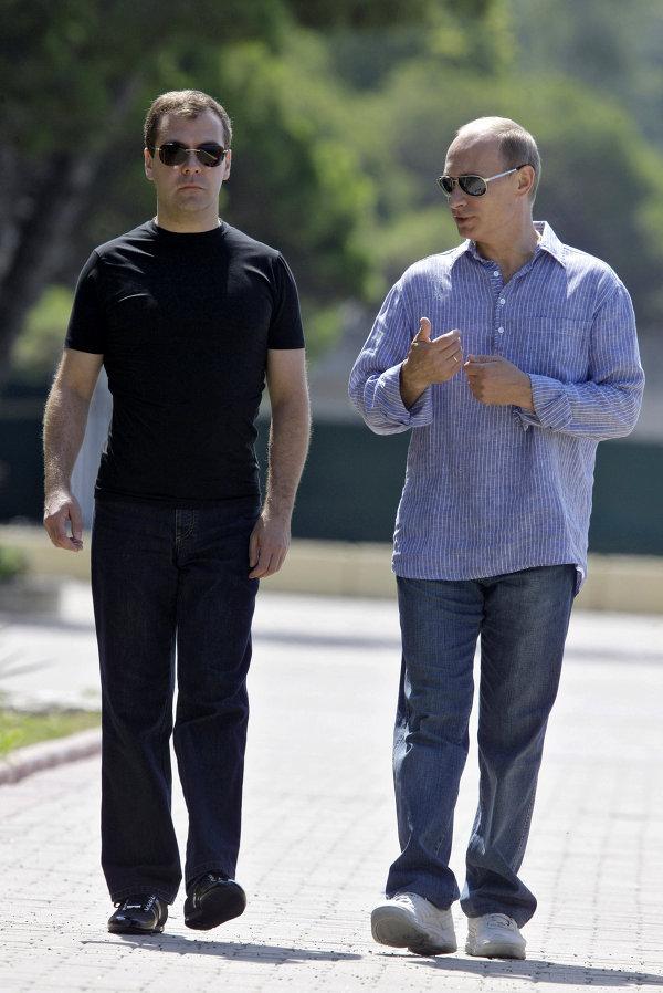 Дмитрий Медведев и Владимир Путин, 2009 год