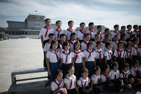 Пионеры на площади. Пхеньян