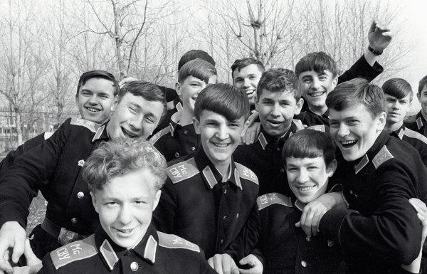 Воспитанники Суворовского военного училища