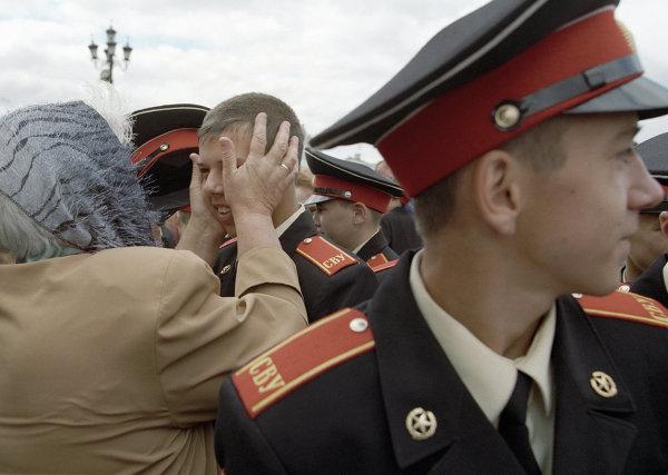 Суворовцы во время церемонии посвящения