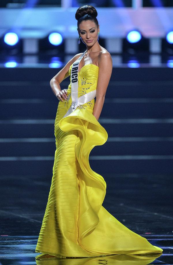 Участница конкурса Мисс Вселенная 2013 из Пуэрто Рико Моник Мари Перес во время полуфинала