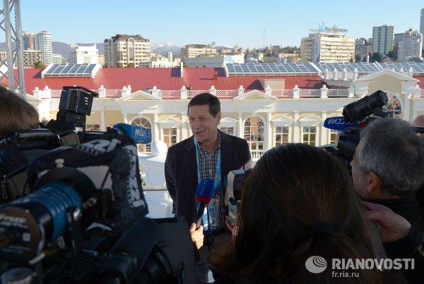 Президент ОКР А.Жуков посетил медиацентр в Сочи