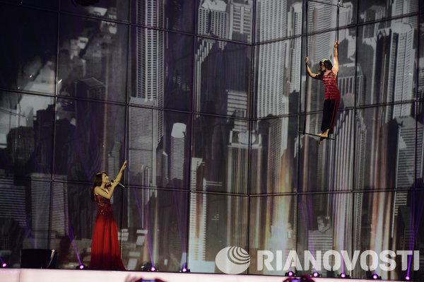 Представительница Азербайджана певица Диляра Кязимова выступает в полуфинале 59-го международного конкурса песни Евровидение-2014 в Копенгагене
