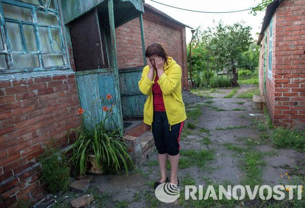 Последствия минометного обстрела поселка Голубовка под Славянском